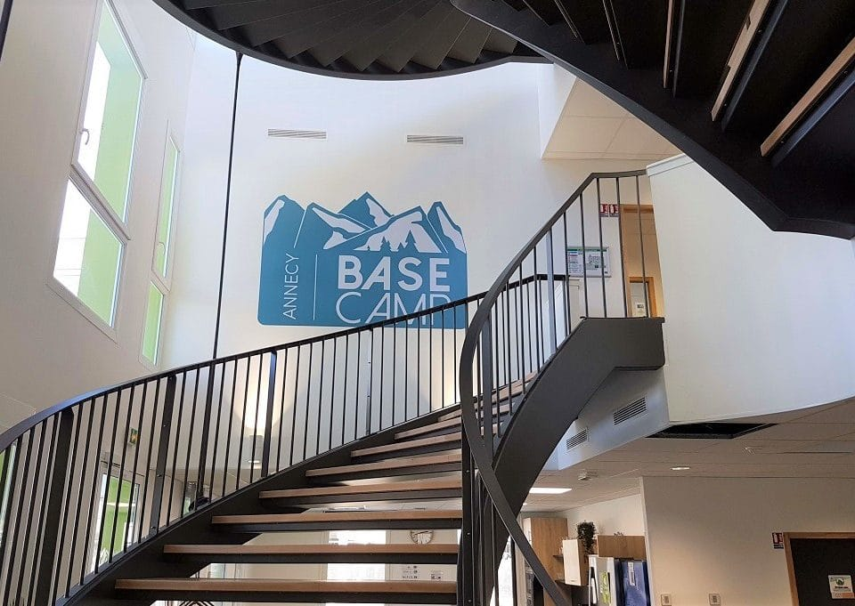 maac prod-annecy-base camp-outdoor sport valley-grand annecy-adhésif