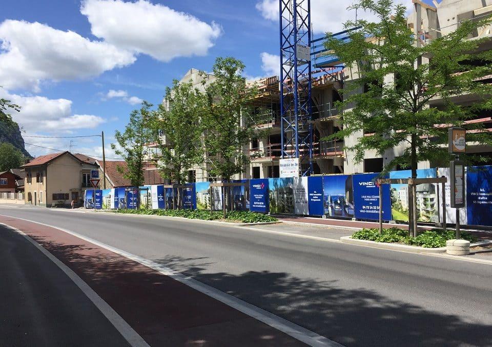 vinci-immobilier-maac prod-palissade-chantier-dibond-pao-panneau-promoteur